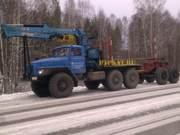Урал лесовоз с гидроманипулятором.